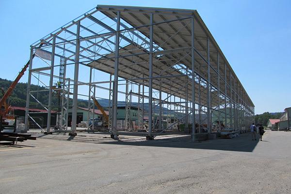 Výrobní hala speciálních kontejnerů KOVAR Leskovec